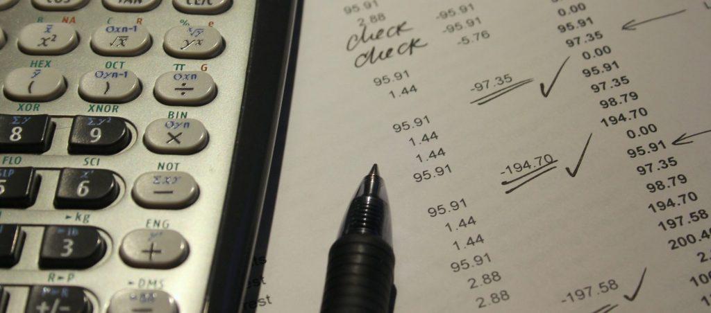 クラウドファンディングの手数料ってサービスでどれくらい違うの?日本、海外でまとめてみた