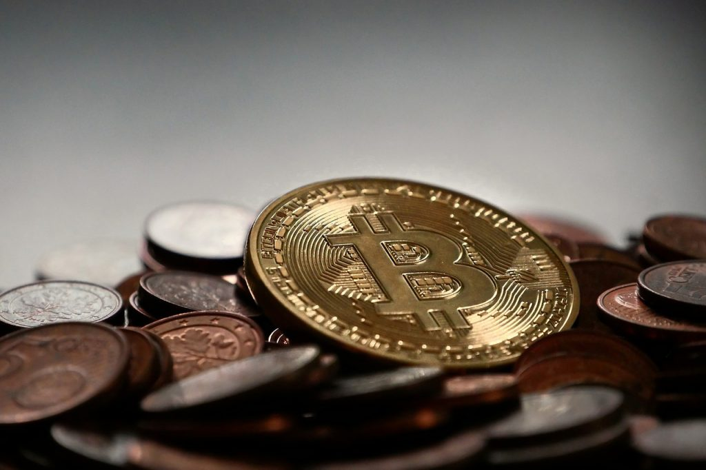仮想通貨がクラウドファンディングの資金調達に使われるメリットとは?