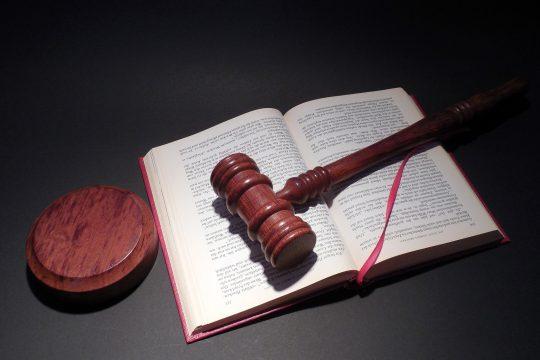 クラウドファンディングに関する昨今の法改正の動きについて
