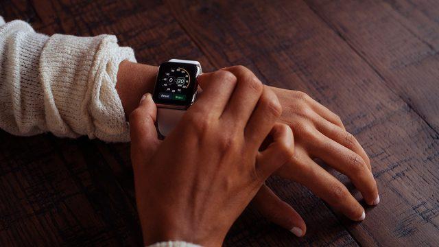 クラウドファンディングにおいて腕時計やイヤホンが人気の理由とは?