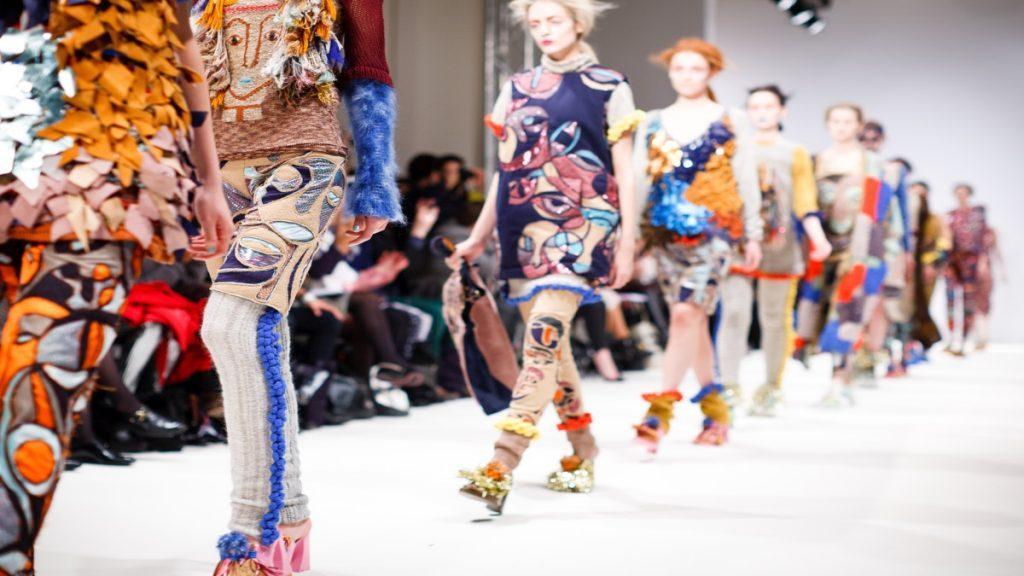 ファッションブランドを立ち上げるために資金はいくら必要なの?