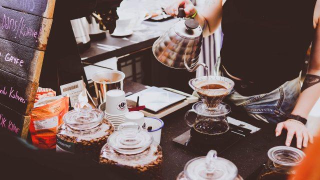 カフェや飲食店を開業して繁盛させるために効果的なPR方法とは?
