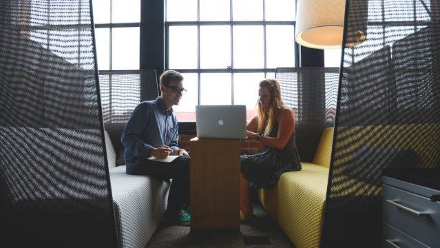 新規事業立ち上げに外部コンサルを起用するメリットとは?