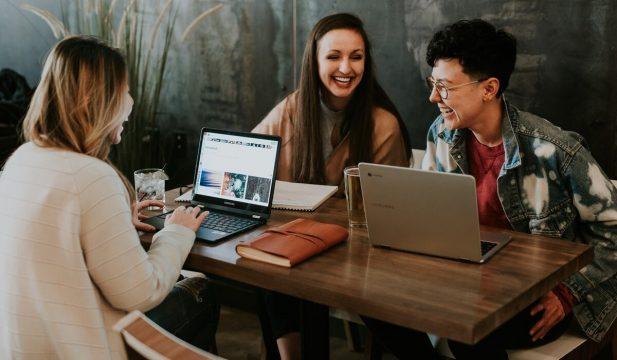 新規事業担当者必見「バリュープロポジションキャンバス(VPC)」の概要と作り方をご紹介