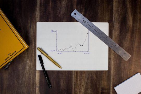 【即実践】新規事業で使えるPESTLE分析