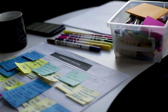 戦略立案に役立つ「クロスSWOT分析」とは?内容や活用手順をわかりやすく紹介します